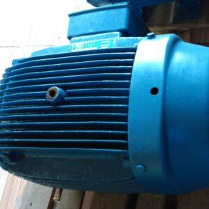 MOTOR ELÉTRICO WEG 150CV 4P 380/660 MOA